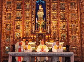 Thánh lễ đóng cửa Năm Thánh, kết thúc tuần tĩnh tâm của linh mục đoàn
